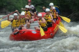 Staying Safe While Whitewater Rafting This Season